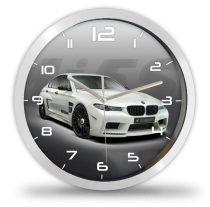 BMW M5 autós falióra