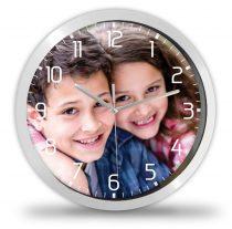 Fényképes óra nagy számokkal+percbeosztással