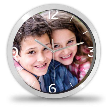 Fényképes óra négy számmal+percbeosztással